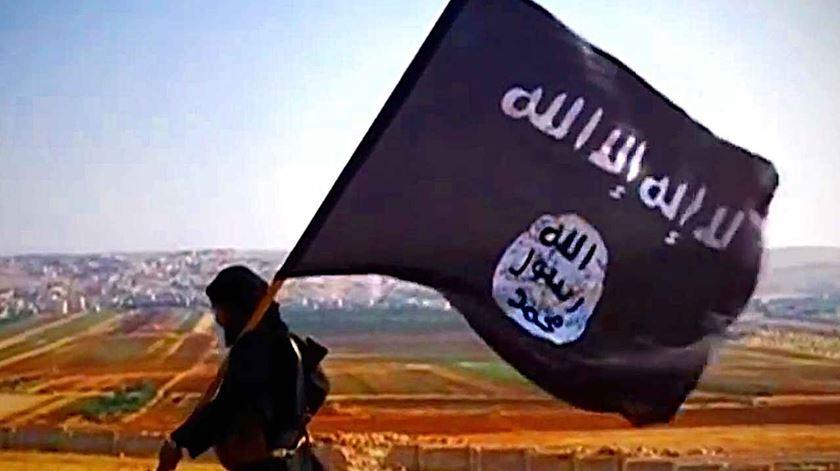 O Estado Islâmico não acabou, nem deixou de aliciar seguidores