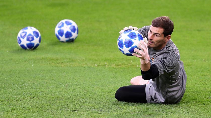 Empresário de Casillas abre a porta à renovação com o Porto, mas diz que é cedo para falar do tema