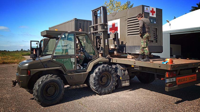 Ministério da Defesa entrega 99 computadores reabilitados pelas Forças Armadas