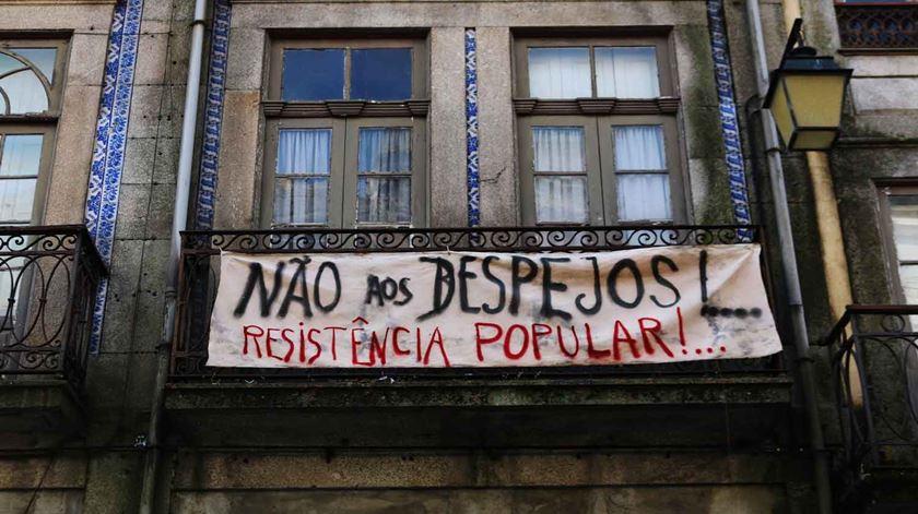 """Câmara do Porto rejeita """"lógica de Trump"""", diz que não vai """"criar muros"""" à entrada de turistas"""
