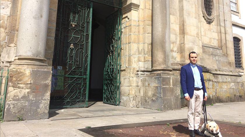 Tiago Varanda, o primeiro padre invisual português - Reportagem de Isabel Pacheco