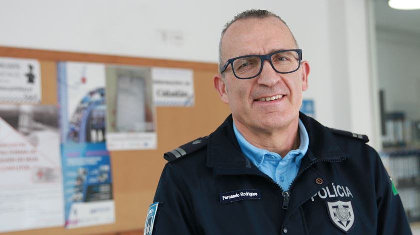 O chefe Fernando Rodrigues é o coordenador do Gabinete de Apoio e Informação à Vítima da PSP do Porto