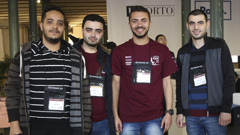 Estudar em tempos de guerra. Os sonhos de jovens engenheiros da Síria