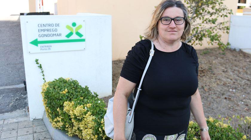 Joana Negrão à saída do centro de emprego de Gondomar. Foto: Gonçalo Costa/RR
