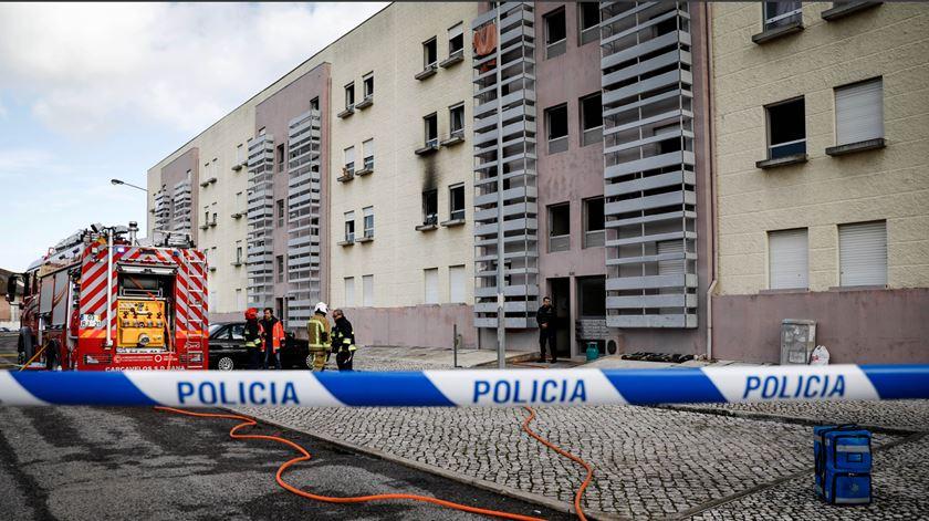 Governo participa ao Ministério Público ausência de comunicação sobre fogo em Cascais