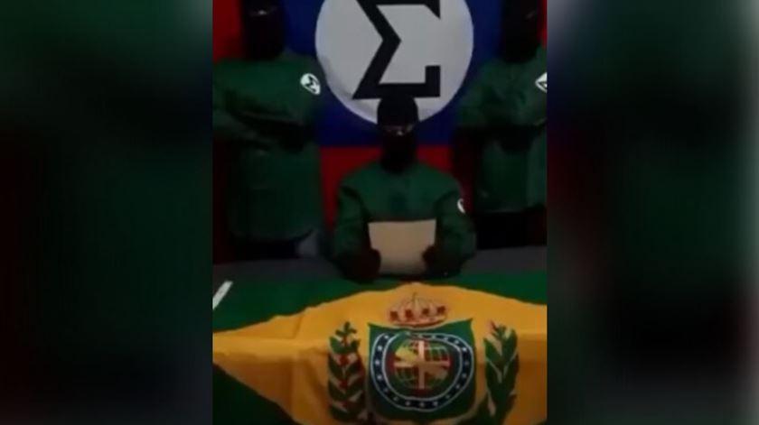 O autoproclamado Comando de Insurgência Popular Nacionalista, da Família Integralista Brasileira. Foto: YouTube