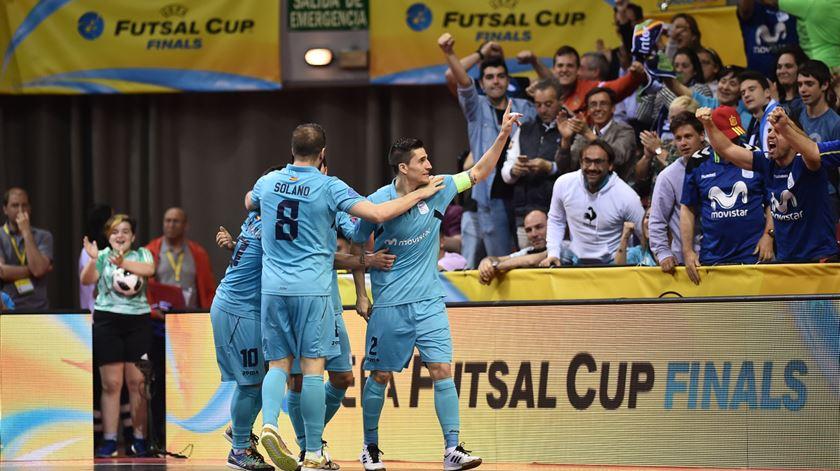 Tu outra vez? Ricardinho volta a separar Sporting do troféu da UEFA Futsal Cup