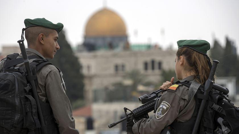 Jerusalém. EUA inauguram embaixada sob ameaça da Al-Qaeda e entre protestos de palestinianos