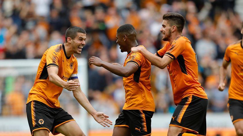 Wolverhampton campeão da segunda Liga inglesa