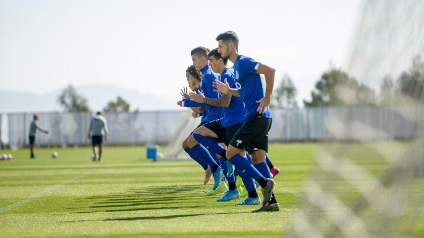 Sérgio continua privado de três jogadores para o Vitória de Setúbal