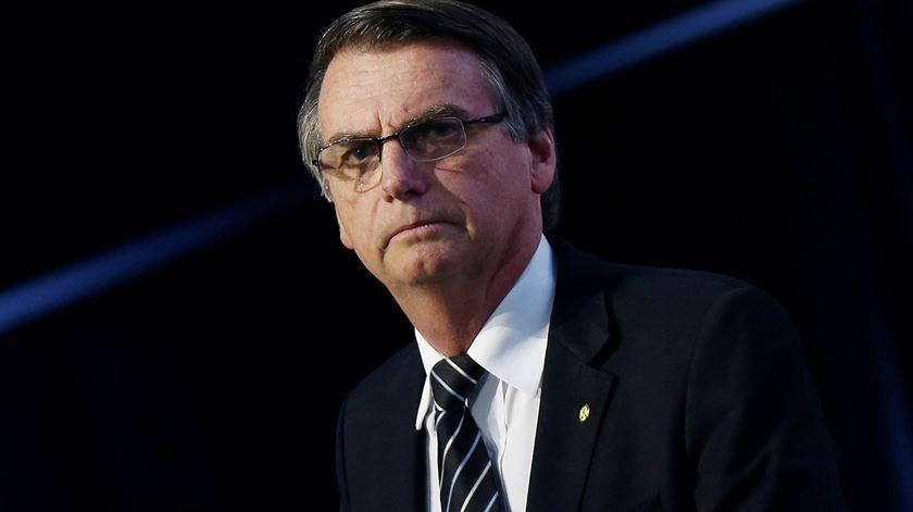 Bolsonaro quer liberalizar o uso de armas já este ano