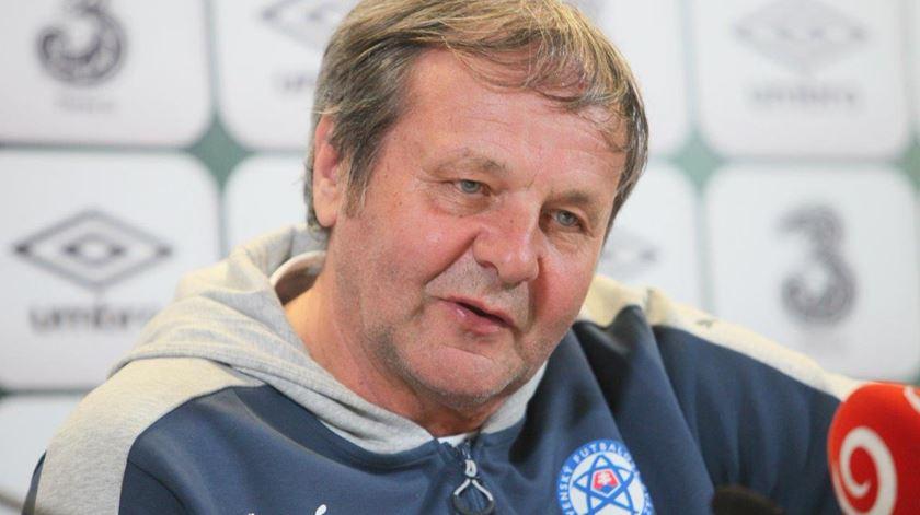 Ján Kozák já não é selecionador da Eslováquia