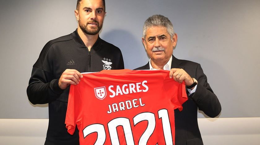 "Jardel renova. ""Sou apaixonado pelo Benfica"""