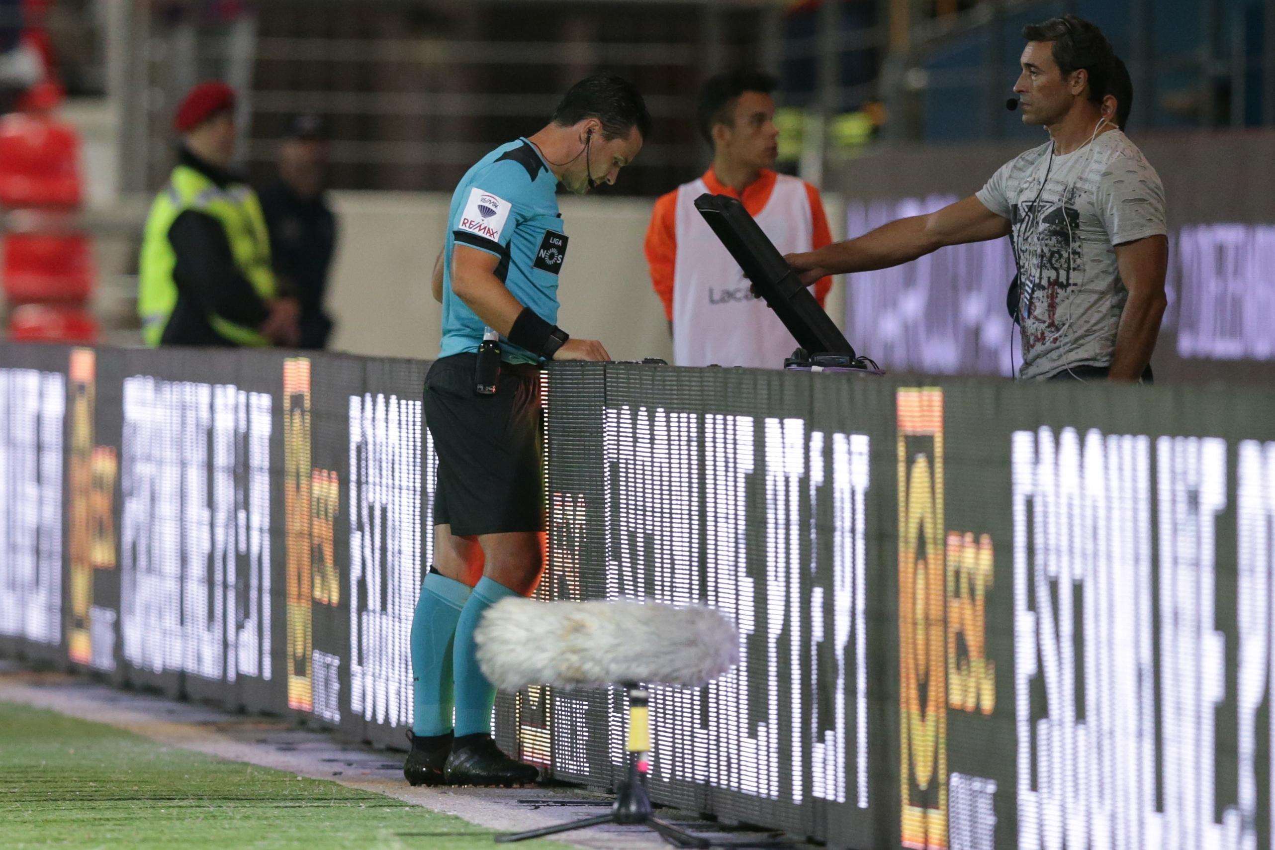 Campeonato Espanhol deve ter árbitro de vídeo na próxima temporada