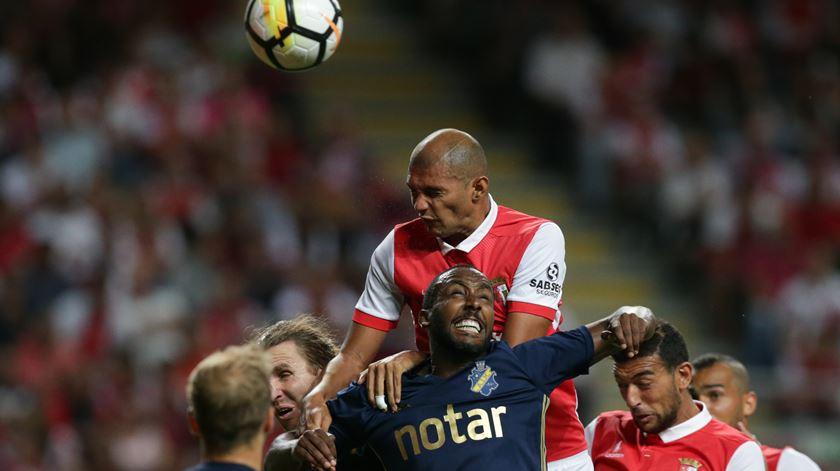 Raúl Silva suspenso por dois jogos por agressão a Acuña