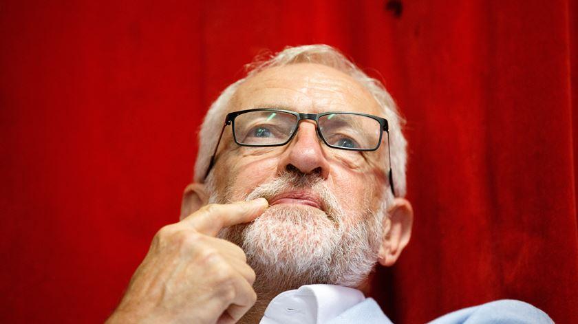 Abalos no Partido Trabalhista a um mês das eleições. Número 2 sai, deputado pede voto em Boris