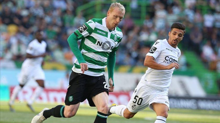 Mathieu fica vinculado ao Sporting até junho de 2020. Foto: Facebook da Liga Portugal