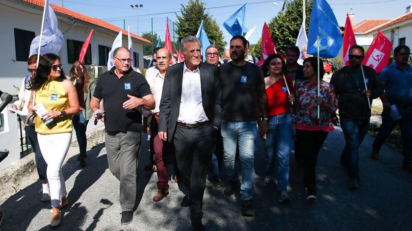 """""""Agarrei-me à CDU"""". A luta de uma localidade de mil pessoas por mais comboios"""