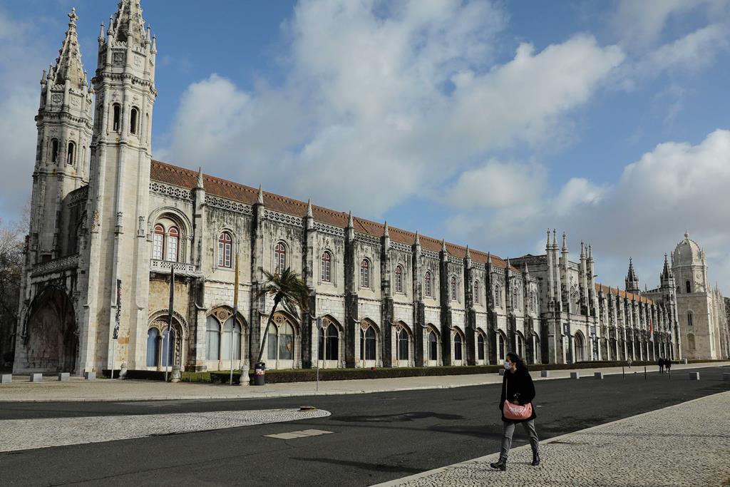 Confinamento mantém-se nos próximos dias. Foto: Miguel A. Lopes/Lusa