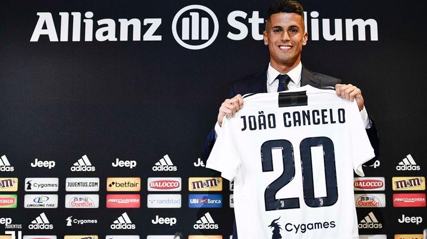 """Cancelo fica com o """"20"""" da """"zebra"""". Foto: Juventus"""