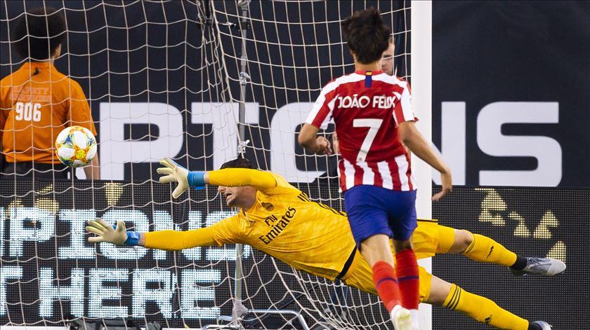 João Félix marca ao Real Madrid, em jogo de pré-época. Foto: Justin Lane/EPA