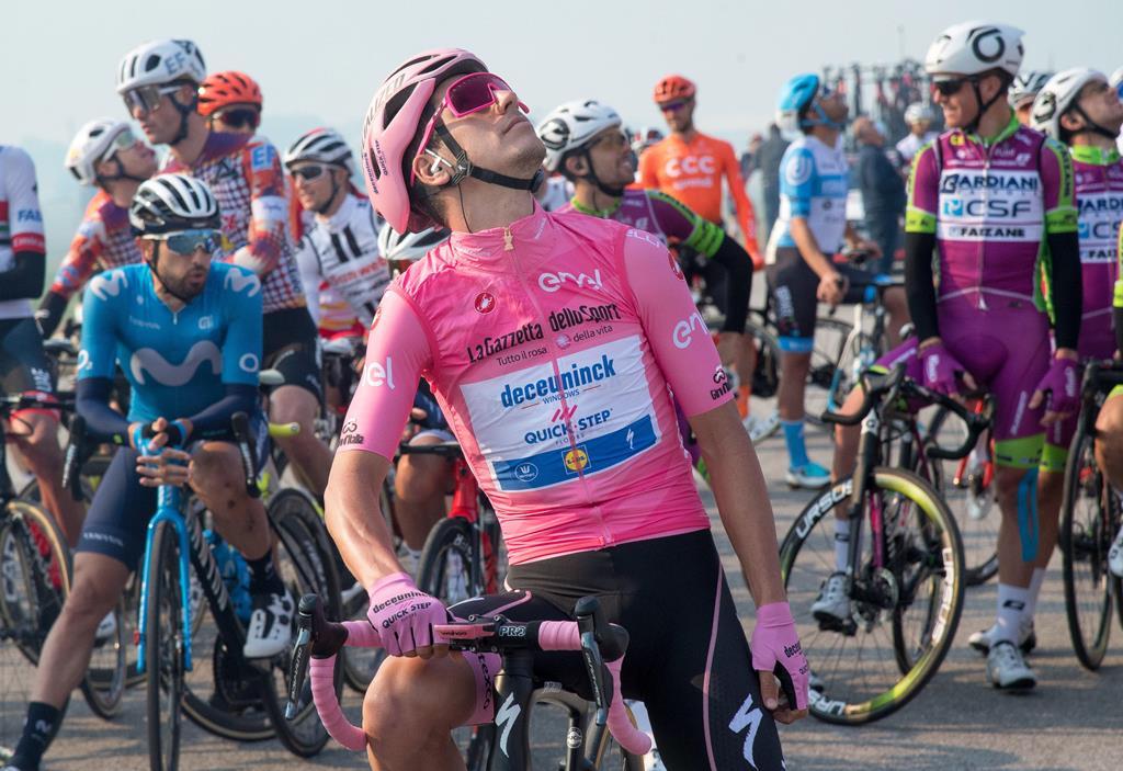 João Almeida esteve 15 dias de rosa na última edição da Volta a Itália Foto: Luca Zennaro/EPA