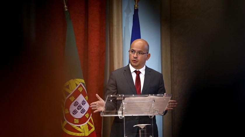 """Emprego e dinheiro nos bolsos dos cidadãos são prioridades do Governo. """"É um Orçamento para ajudar os portugueses"""""""