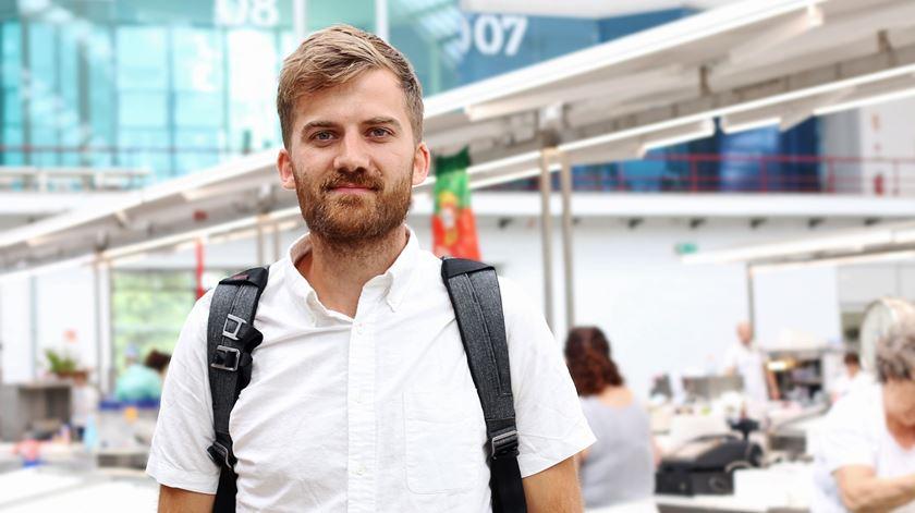 Johnny Harris foi um dos convidados da Mostra de Cinema de Viagem e Aventura, que decorreu no mercado de Matosinhos de 13 a 15 de setembro. Foto: Marília Freitas/RR