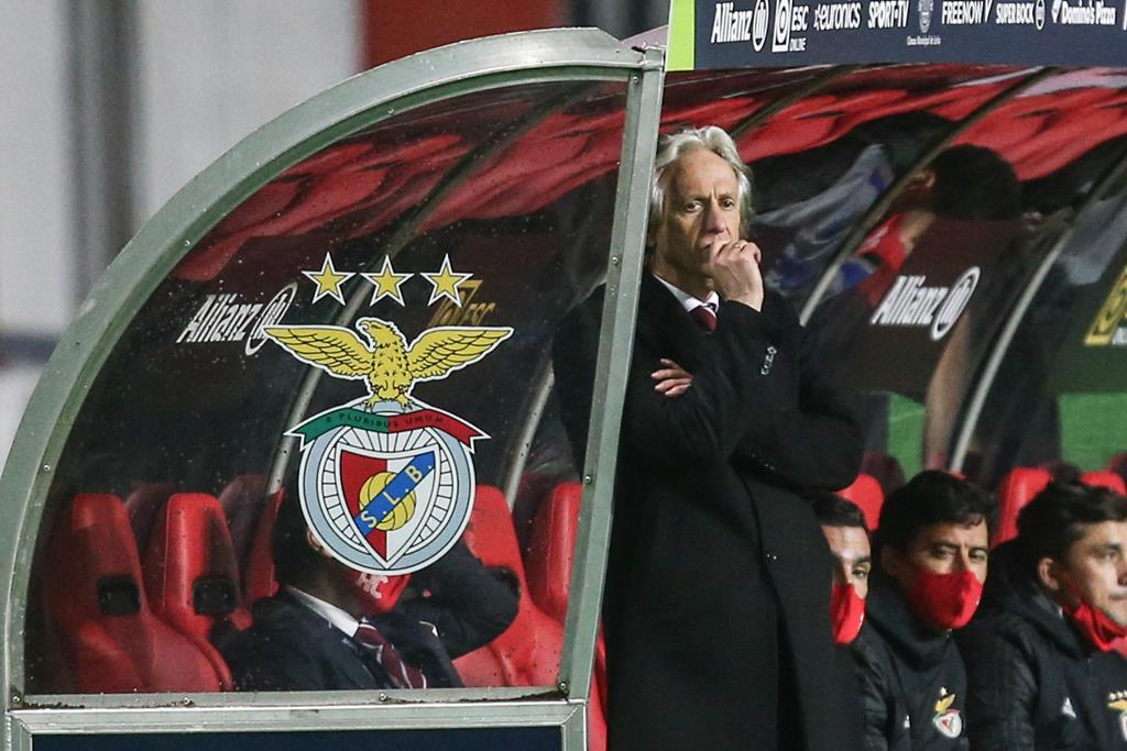 Jorge Jesus é o grande ponto de interrogação para o jogo contra a Belenenses SAD, devido a doença. Foto: Paulo Cunha/Lusa