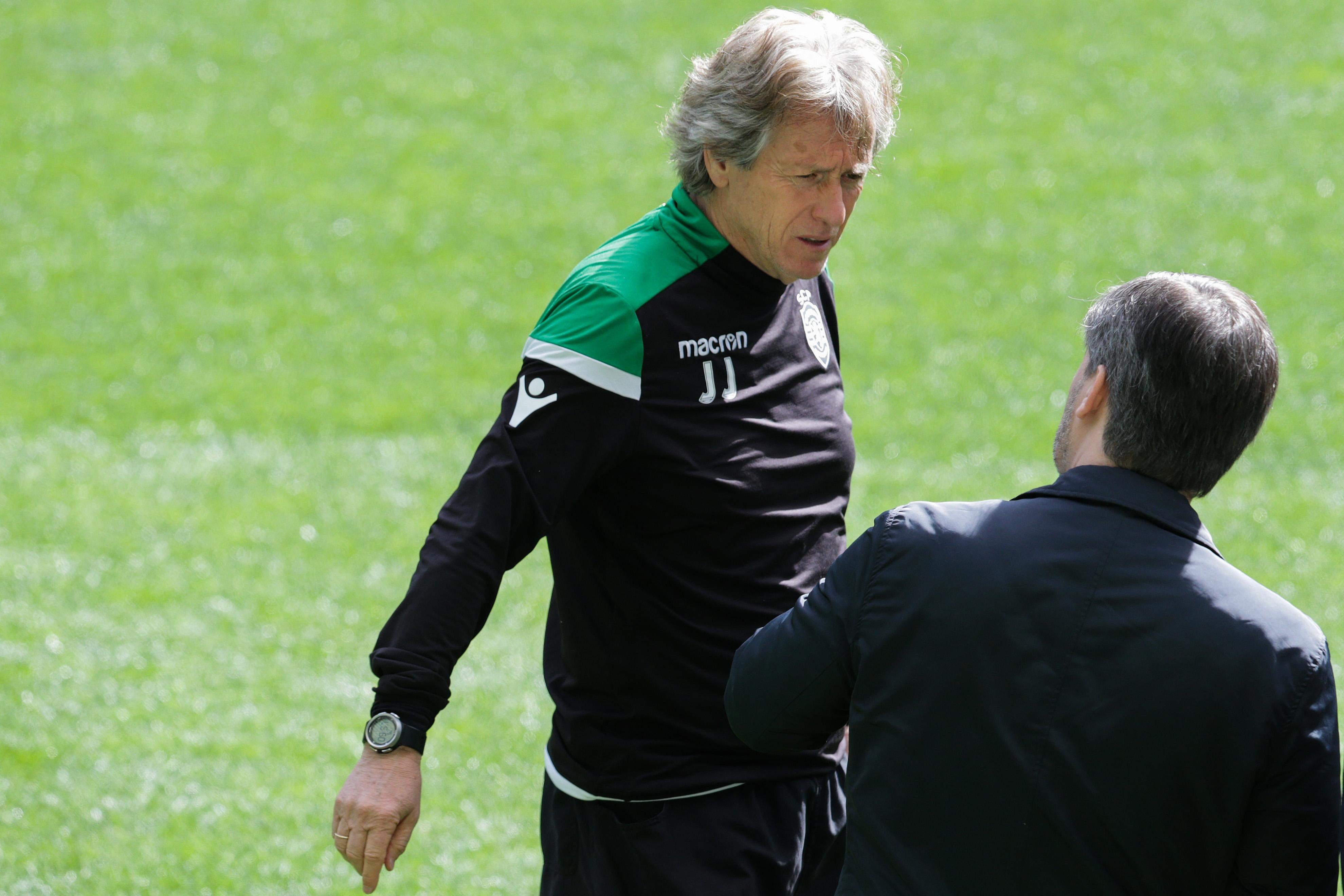 Bruno de Carvalho terá ligado a Mustafá na reunião com os jogadores