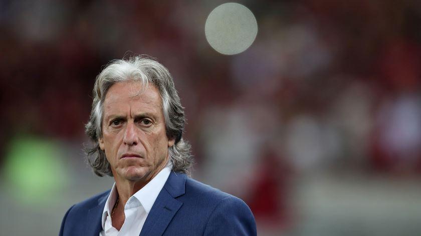 A entrevista de Jorge Jesus em 10 pontos. Cavani, a formação e contratações ao Flamengo