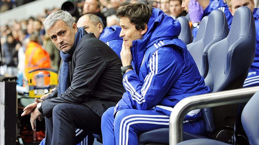 Fàbregas pede regresso rápido de Mourinho ao ativo