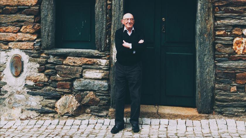 Dos parabéns a Rentes de Carvalho à Literatura em Viagem (através da internet)