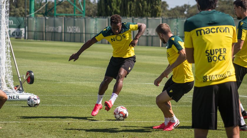 Jovane Cabral regressa aos treinos do Sporting sob vigilância