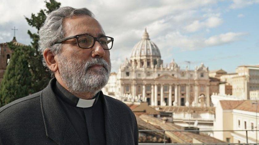 """Vaticano. Jesuíta espanhol é o novo """"homem forte"""" da Economia"""