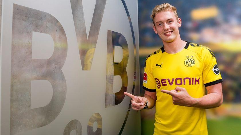 Julian Brandt troca o Leverkusen pelo Dortmund