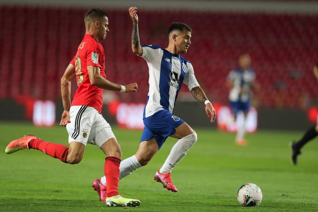 Otávio falha clássico com o Benfica. Foto: José Coelho/Lusa