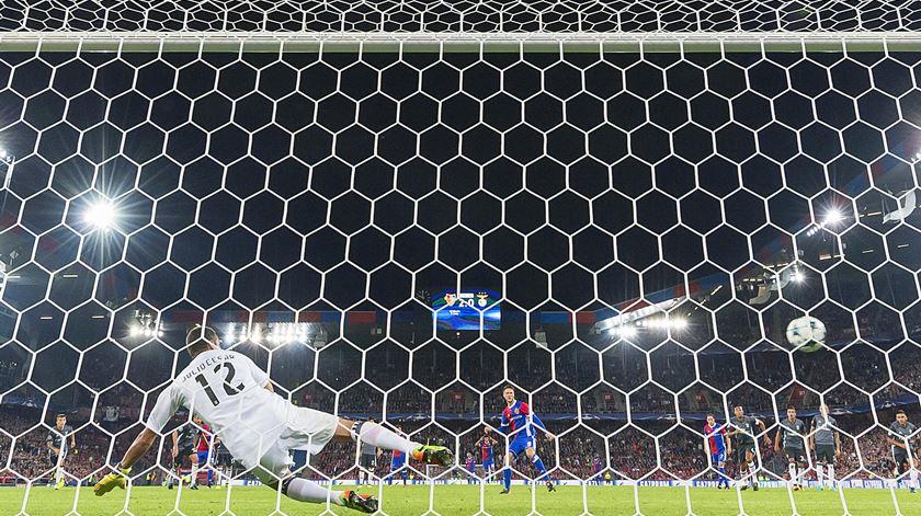 O relato da noite desastrosa do Benfica em Basileia