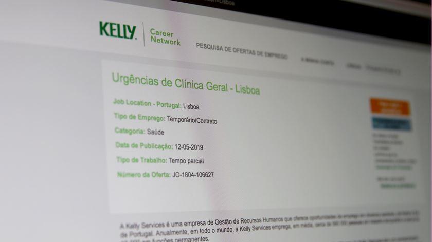 Portal da Kelly Services com anúncio para médico tarefeiro. Foto: Inês Rocha/RR.
