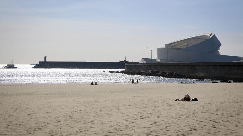 Novo paredão em Leixões. Quebra-mar ou quebra-cabeças?