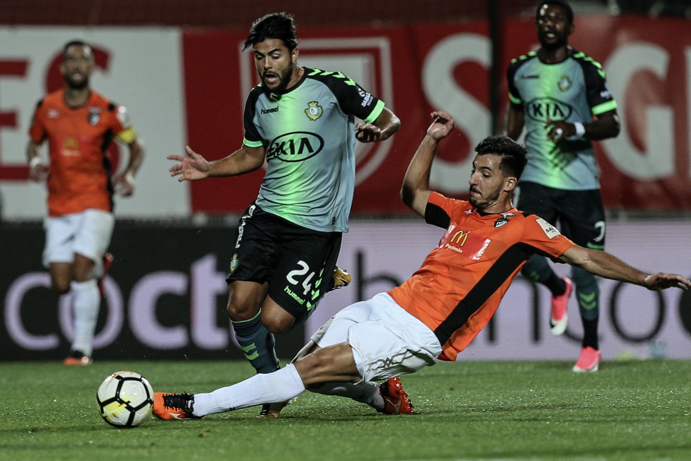 Futebol: Portimonense goleia Vit. Setúbal no regresso às vitórias