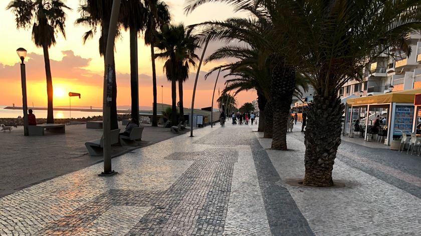 Costa quer os desempregados do turismo a trabalhar no setor social