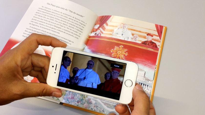 """Um livro com vídeos que """"saem de aguarelas"""" fala de Fátima aos jovens"""