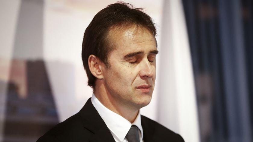 Lopetegui chora na apresentação como treinador do Real Madrid