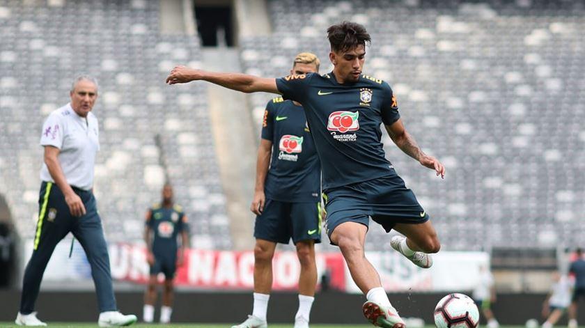 Brasil chama por Paquetá para o lugar de Coutinho