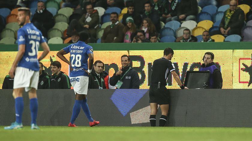 """Um erro maiúsculo do vídeo-árbitro"""