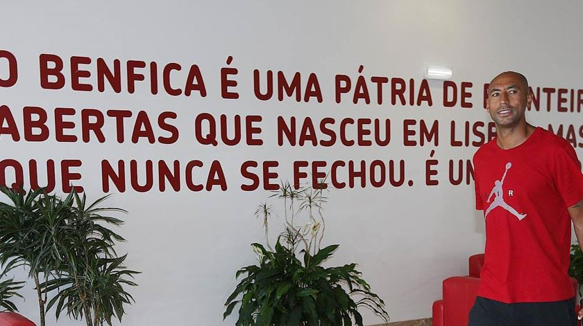 """Luisão prevê Benfica """"à altura"""" frente ao Galatasaray"""