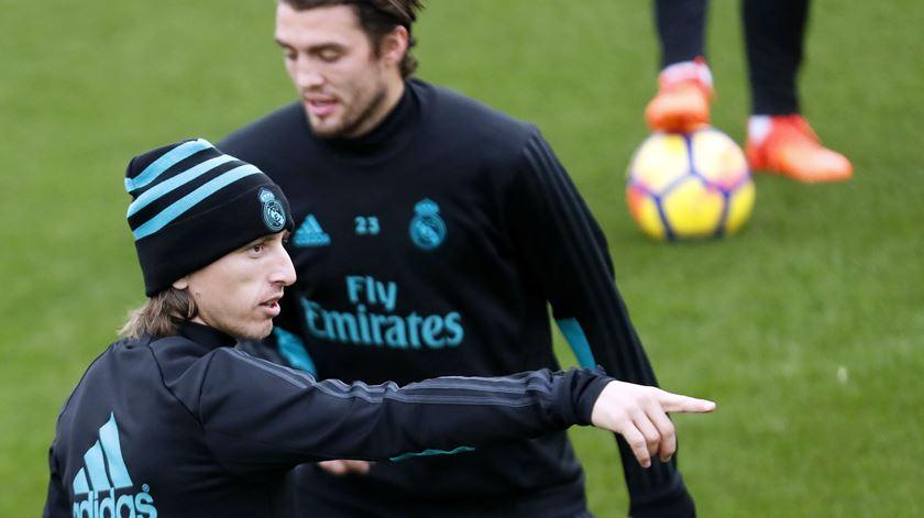 Modric no treino do Real Madrid. Foto: Javier Lizon/EPA