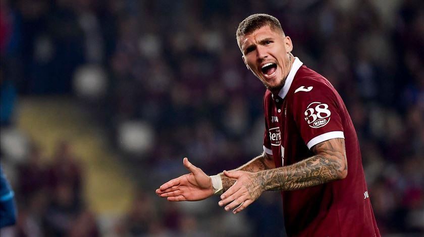 Sporting aponta a mira a central do Torino