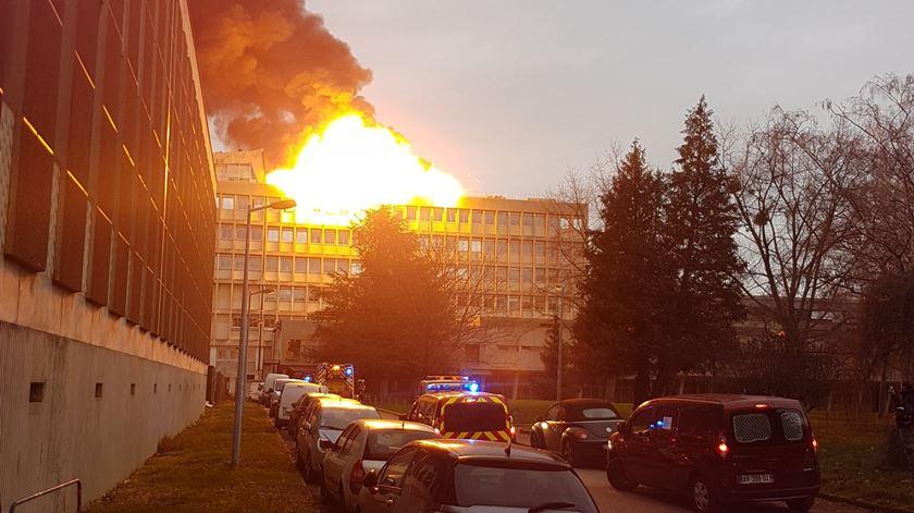 França. Incêndio na universidade de Lyon